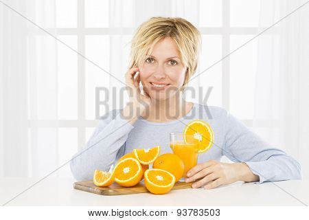 Forty years woman recommends orange juice