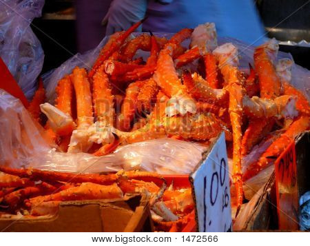 Fresh Crab Legs For Sale In Market