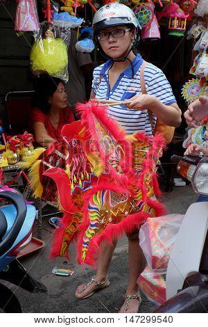 Vietnamese Family, Mid Autumn Festival