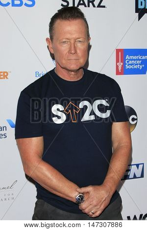 LOS ANGELES - SEP 9:  Robert Patrick at the 5th Biennial Stand Up To Cancer at the Walt Disney Concert Hall on September 9, 2016 in Los Angeles, CA
