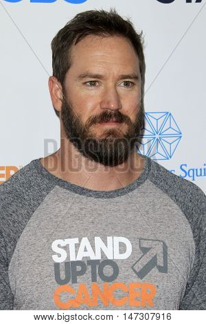 LOS ANGELES - SEP 9:  Mark-Paul Gosselaar at the 5th Biennial Stand Up To Cancer at the Walt Disney Concert Hall on September 9, 2016 in Los Angeles, CA