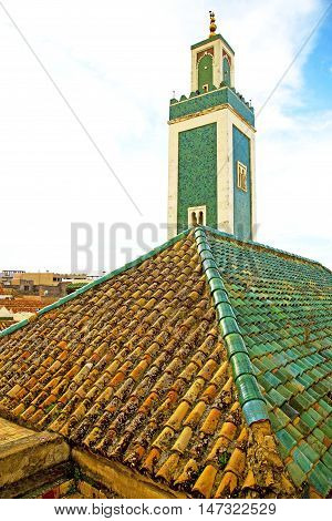 Muslim   In   Mosque  The History  Symbol Morocco  Africa  Minaret Religion And    Sky