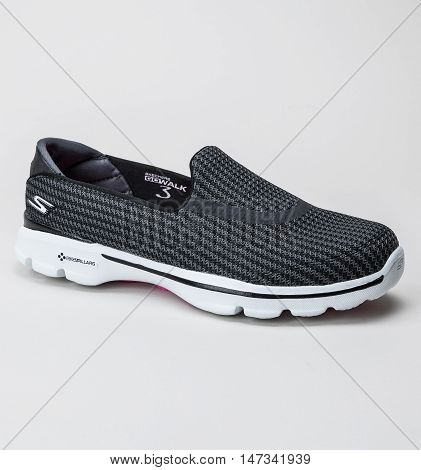 Close up of Skechers Go Walk 3 Black White
