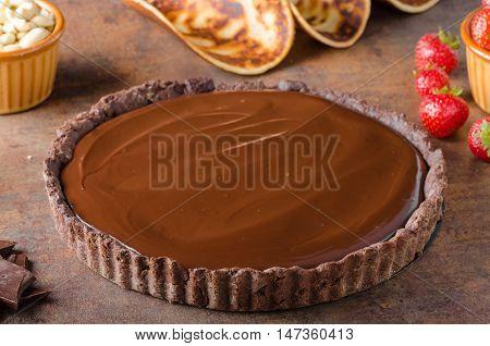 Delicious Caramel Chocolate Tart