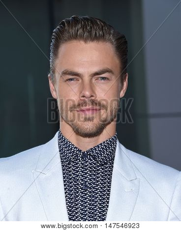 LOS ANGELES - SEP 10:  Derek Hough arrives to the Celebration of Dance Gala 2016 on September 10, 2016 in Hollywood, CA