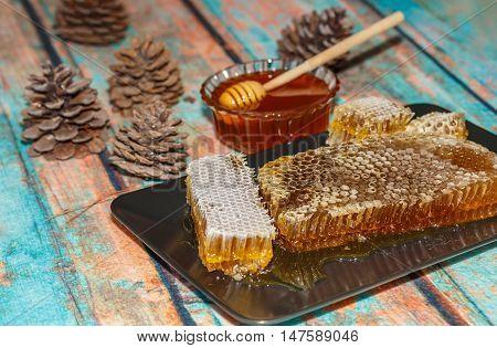 Pine Honey Maramaris