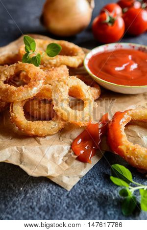 Onion Rings With Ketchup