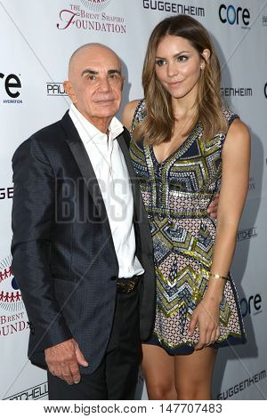 LOS ANGELES - SEP 17:  Robert Shapiro, Katharine McPhee at the Brent Shapiro Foundation for Alcohol and Drug Prevention at the Private Residence on September 17, 2016 in Beverly Hills, CA