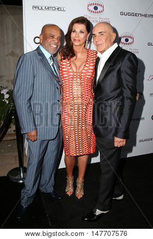 LOS ANGELES - SEP 17:  Berry Gordy,  Linell Shapiro, Robert Shapiro at the Brent Shapiro Foundation for Alcohol and Drug Prevention at the Private Residence on September 17, 2016 in Beverly Hills, CA