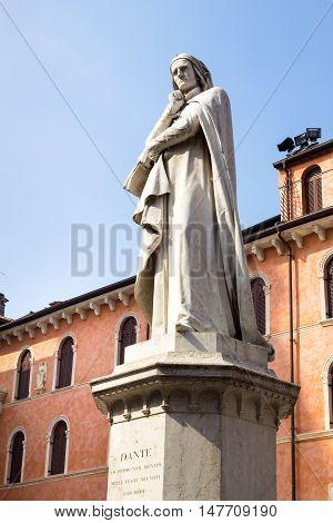 Statue to Dante Alighieri in Piazza dei Signori - Verona, Italy