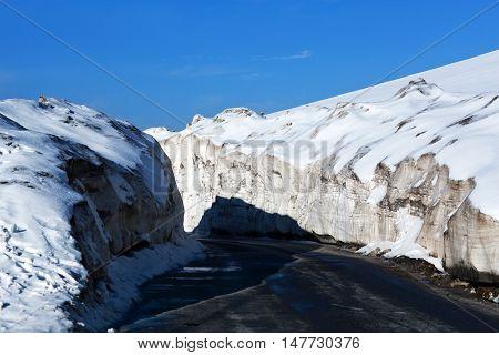 Snowdrift At The Leh - Manali Highway
