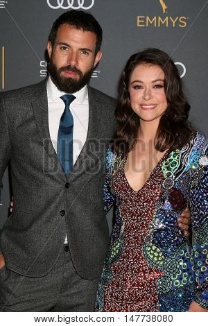 LOS ANGELES - SEP 16:  Tom Cullen, Tatiana Maslany at the TV Academy Performer Nominee Reception at the Pacific Design Center on September 16, 2016 in West Hollywood, CA