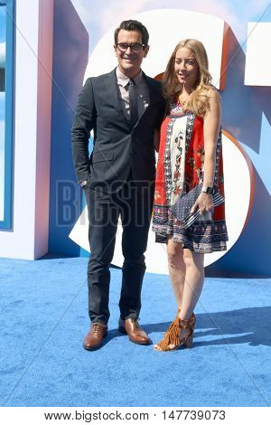 LOS ANGELES - SEP 17:  Ty Burrell, Holly Burrell at the