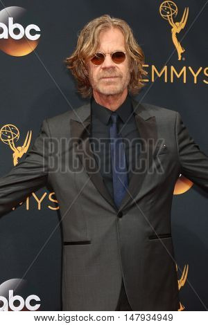 LOS ANGELES - SEP 18:  William H Macy at the 2016 Primetime Emmy Awards - Arrivals at the Microsoft Theater on September 18, 2016 in Los Angeles, CA