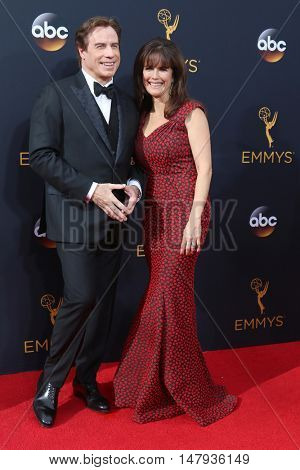 LOS ANGELES - SEP 18:  John Travolta, Kelly Preston at the 2016 Primetime Emmy Awards - Arrivals at the Microsoft Theater on September 18, 2016 in Los Angeles, CA