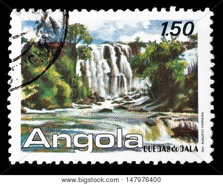 ANGOLA - CIRCA 1987 : Cancelled postage stamp printed by Angola, that shows Dala waterfalls.