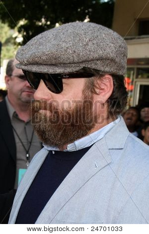 LOS ANGELES - OCT 23:  Zach Galifianakis arriving at the