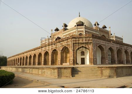 Wide View Of Humayun's Tomb