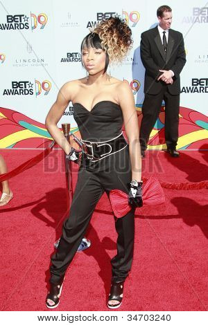 LOS ANGELES - JUN 28: Lil Mama at the 2009 BET Awards held at the Shrine Auditorium in Los Angeles, California on June 28, 2009