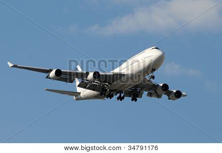 Modern Jetlined Landing