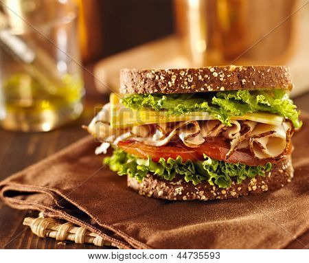 deli meat sandwich with sliced turkey meat