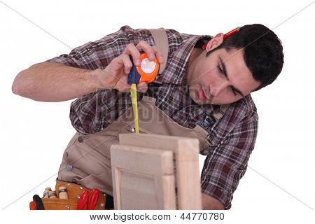 Cabinet maker measuring door