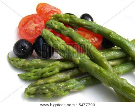 Asparagus With Cherry Tomatoes And Black Olives