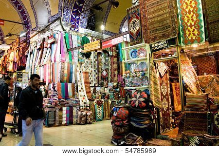 People shopping in the Grand Bazar in Istanbul, Turkey, ISTANBUL, November 22