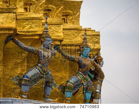 Guardian statue (yak) at the temple Wat phra kaew in the Grand palace area