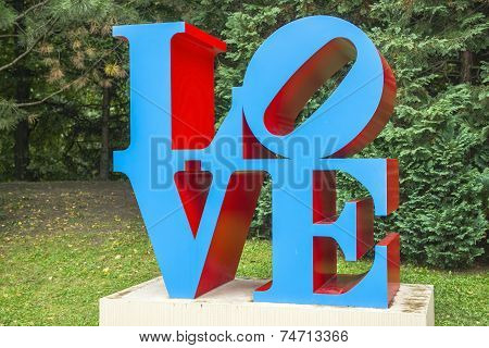 Sculpture Love By American Artist Robert Indiana