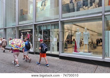 5Th Avenue Fashion Shopping