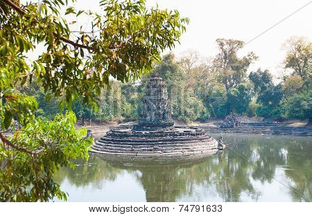 Neak Pean Prasat  Temple In Angkor Complex, Cambodia.