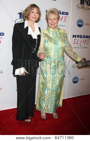 LOS ANGELES - FEB 22:  Susan Blakely, Michelle Phillips at the Night of 100 Stars Oscar Viewing Party at the Beverly Hilton Hotel on February 22, 2015 in Beverly Hills, CA