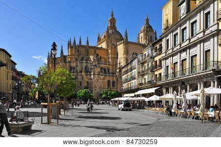 SEGOVIA, SPAIN - OCTOBER 18: View of the Plaza Mayor square and the Cathedral on October 18, 2014 in Segovia, Spain. This late gothic building is one of the main landmarks in the Old Town of the city