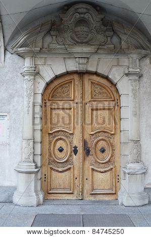 arch wood door
