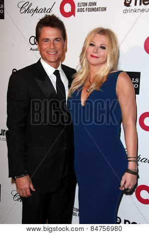 LOS ANGELES - FEB 22:  Rob Lowe, Sheryl Lowe at the Elton John Oscar Party 2015 at the City Of West Hollywood Park on February 22, 2015 in West Hollywood, CA