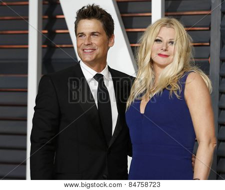LOS ANGELES - FEB 22:  Rob Lowe, Sheryl Lowe at the Vanity Fair Oscar Party 2015 at the Wallis Annenberg Center for the Performing Arts on February 22, 2015 in Beverly Hills, CA
