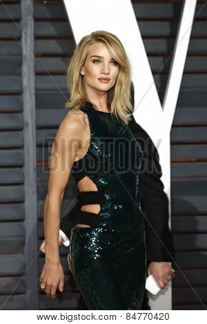 LOS ANGELES - FEB 22:  Rosie Huntington-Whiteley at the Vanity Fair Oscar Party 2015 at the Wallis Annenberg Center for the Performing Arts on February 22, 2015 in Beverly Hills, CA