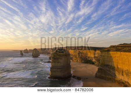 Before Sunset At Twelve Apostles Attractions On Green Ocean Road