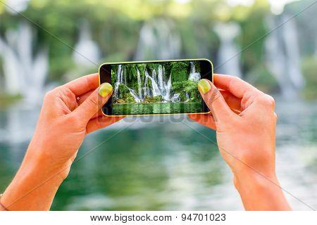 Photographing Kravica waterfall