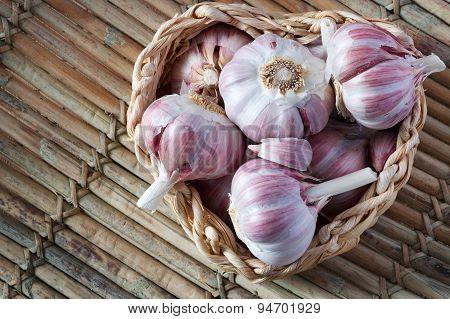 Garlic In Wicker Basket (heart Shape)