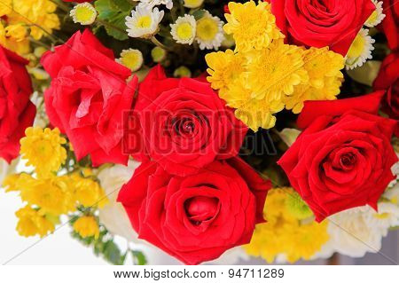 Beautiful Red Roses Flowers Bouquet For Interior Decorated In 14 February Valentine Day