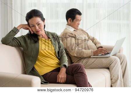 Husband addicted to internet