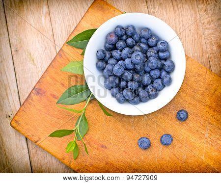 Organic blueberries in bowl