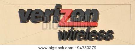 Verizon Store Logo