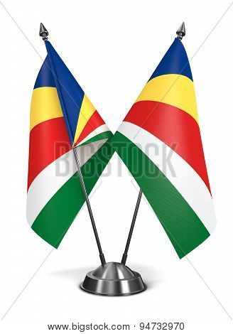 Seychelles - Miniature Flags.