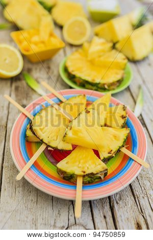 Pineapple - delights with pineapple, garden party