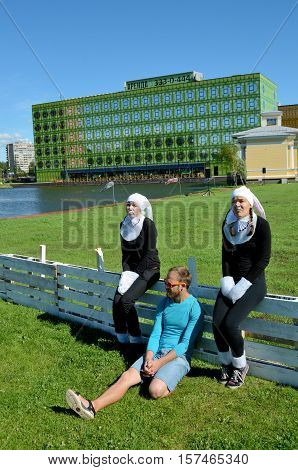 01.08.2015.Russia.Saint-Petersburg.Girls dressed in costumes reminiscent of bunnies.