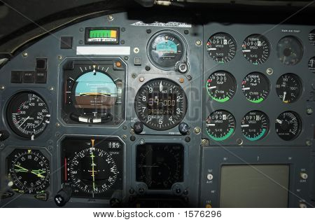 Learjet 35 Cockpit