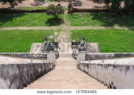 Ayutthaya (Thailand) Wat Phu Khao Thong stairs
